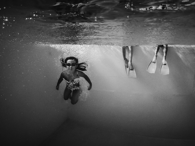 Children and Senior Photography, little girl swimming underwater